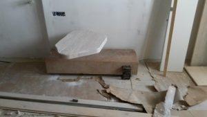 Επιπλα ξενοδοχείου : ξύλινη κατασκευή τραπεζάκι