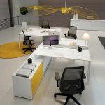 Επιπλα γραφείου σε χρώμα λευκό και κίτρινο: Γραφείο με ντουλάπια
