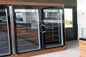 Επιπλα καταστημάτων: Επιπλα φούρνου - εντοιχιζομενα ψυγεία
