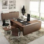 Γραφείο γωνία σε χρώμα σκούρο καφέ, ντουλάπες γραφείου και τραπεζάκι