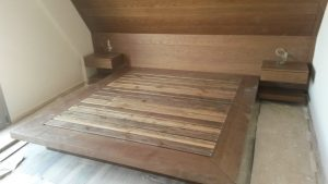 Ξύλινη κατασκευή έπιπλο κρεβατοκάμαρας