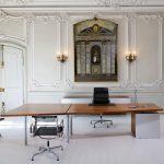 Μεγάλο απλό γραφείο