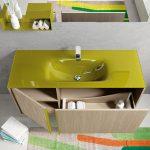Επιπλο μπάνιου σε χρώμα δρυ και λαδί πάγκο και νεροχύτη