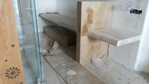 Ξύλινη κατασκευή έπιπλο μπάνιου και κομοδίνο (πριν)