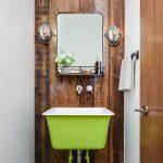 Ξύλινη επένδυση τοίχου μπάνιου