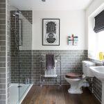 Ξύλινο δάπεδο μπάνιου