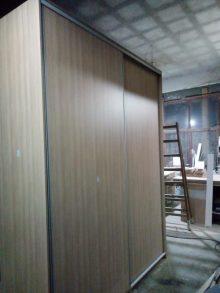 Κατασκευή συρόμενης ντουλάπας